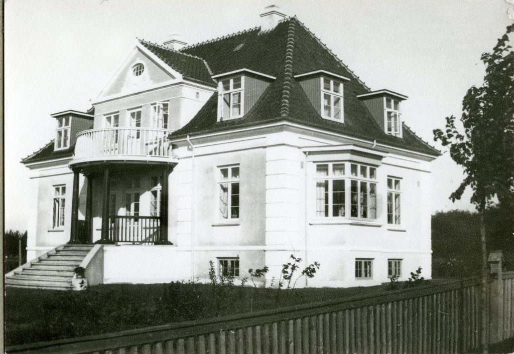 """""""Lille Marselisborg"""" i Hammel, tegnet af Arkitekt Julius Moll"""